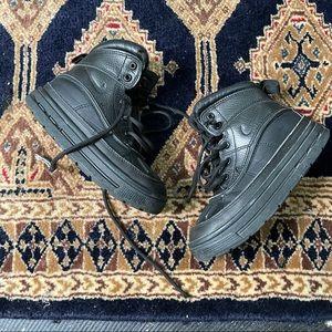 Nike ACG black winter hiking Boys Boot